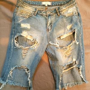 Signature 8 Distressed Bermuda Shorts Size L